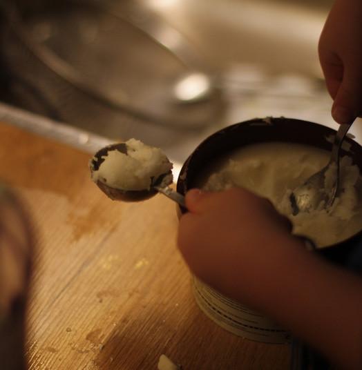 making vegan cheesecake