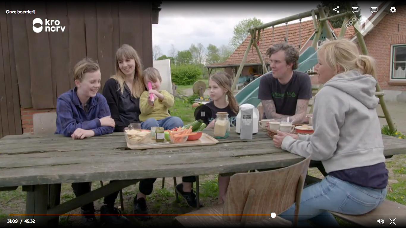"""We zaten in de tweede aflevering van """"Onze boerderij"""" met Yvon Jaspers."""